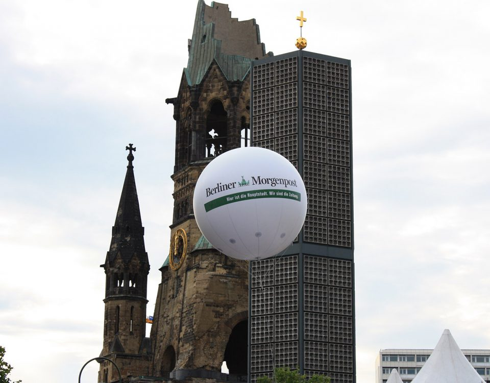 Messeballon für die Berliner Morgenpost - hier am Kurfürstendamm