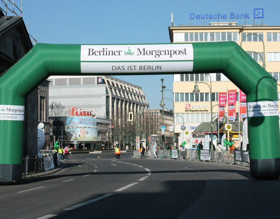 Berliner Morgenpost - aufblasbarer Torbogen