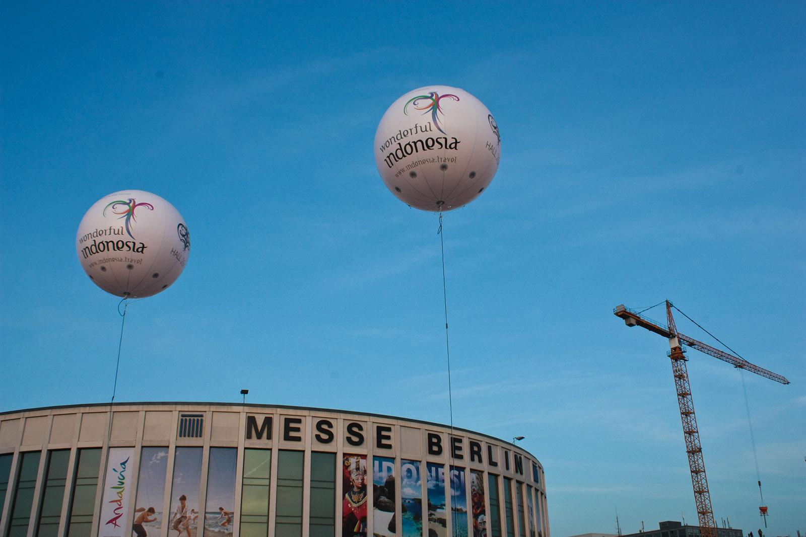 Messe Berlin - ITB - Riesenballons für Indonesien