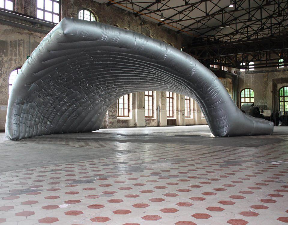 Wir erstellen riesige Sonderformen als aufblasbare Zelte für Events und Messen.