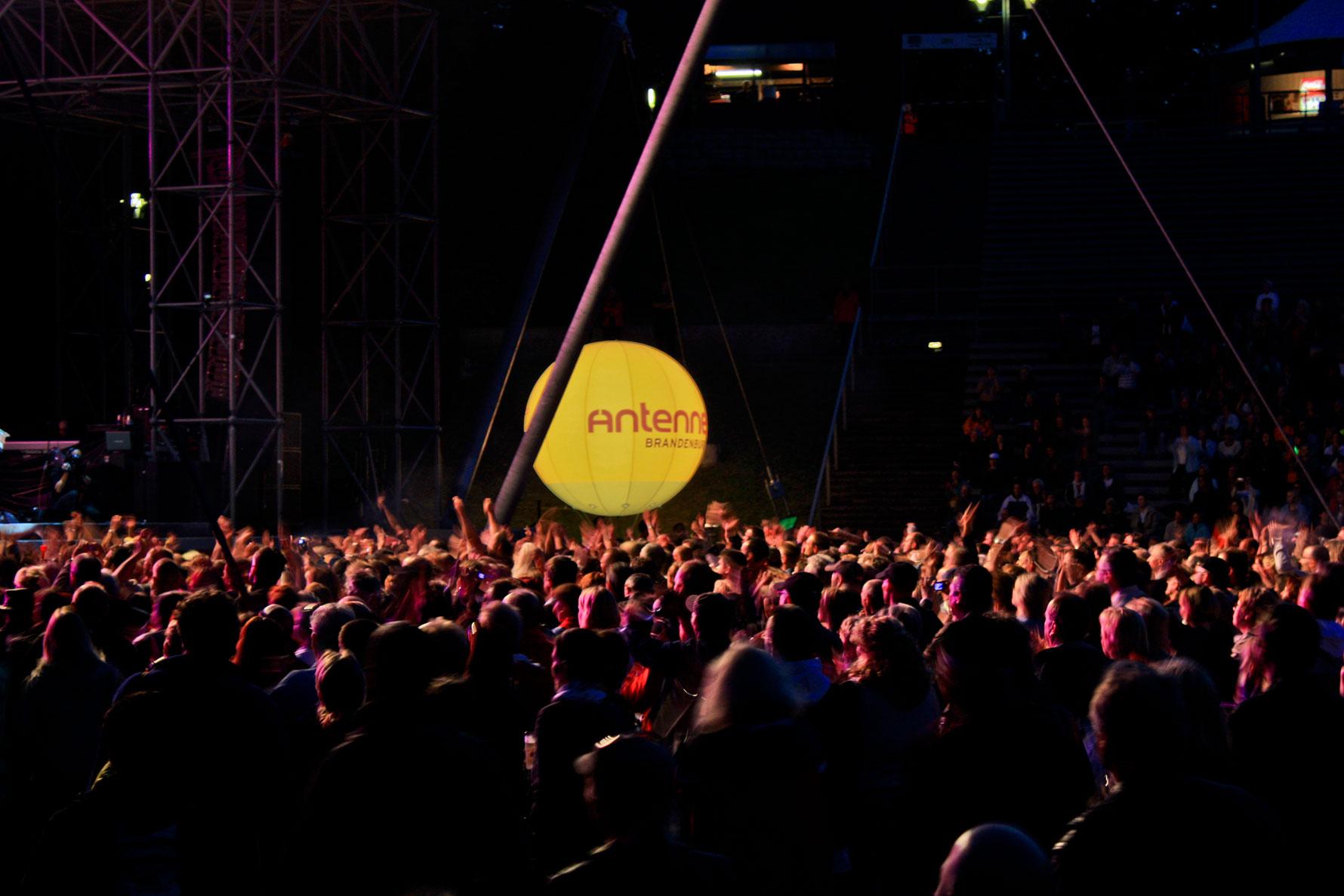 Lichtballon,-Bühne