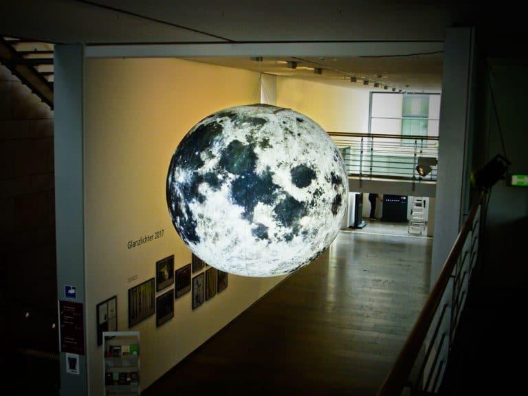 Beleuchtetes Mond-Display, 2m Durchmesser